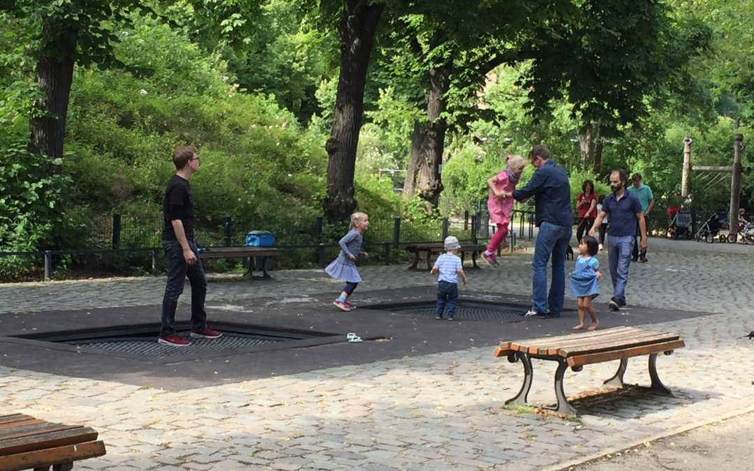TRAMPOLINES IN BERLIN… LOOK FOR THE SPIELPLATZ