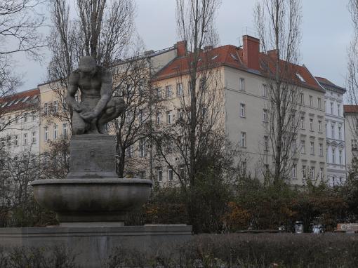 PAPPELPLATZ | monument for money